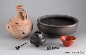 Objets gallo-romains en bronze et céramiques