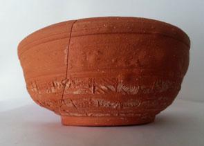 Sigillée de type argonnais décorée à la molette et fabriquée à Ecouen 95
